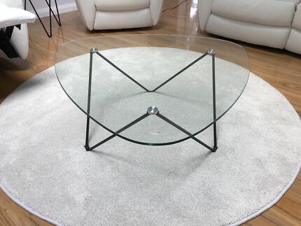 Coffee table 'Fino' Nick Scali. Pristine condition.