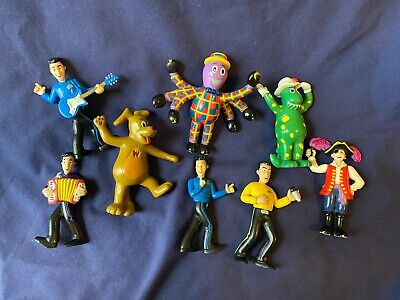 The Wiggles Captain Feathersword (2004 The Wiggles Toy Figures Dorothy Wags Henry Captain Feathersword Lot Of)