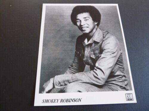 Smokey Robinson Motown Records B&W 8x10 Promo Photo