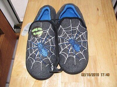Boys Wonder Nation Glow In The Dark Slippers Spider Web New 4/5,5/6,& 11/12 - Glow In The Dark Spider Web