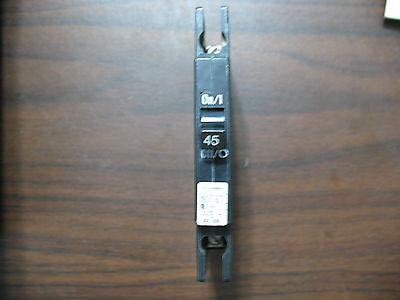 Cutler Hammer Qcr1045 1 Pole 45 Amp 120 240V Circuit Breaker