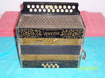 VENEZIA 2 row Accordion button box Accordian Hohner made in Germany  C&F keys #2
