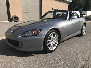 Honda S-2000  2005 Impeccable !