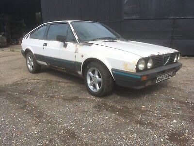 Alfa Romeo Sprint complete, project with spare shell, wheels and rotating jig