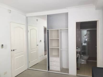 Master room with ensuite - close to train station Kogarah Rockdale Area Preview