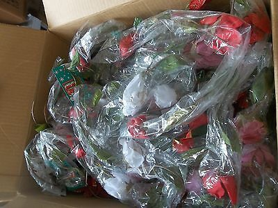 Wholesale Christmas Garland (CHRISTMAS WHOLESALE CASE LOT Of FLOWERY CHRISTMAS GARLAND Approx 40+ )