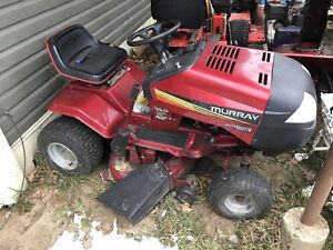 """10.5hp 42"""" Murray Lawn Tractor"""