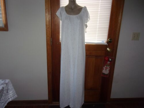 NWT~VINTAGE MISS ELAINE NIGHTGOWN~SZ MED. ~LONG~FLORAL~