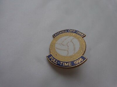 VINTAGE LEEDS UNITED KNARESBOROUGH SUPPORTERS CLUB BRANCH 1996 PIN BADGE