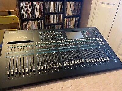 Allen & Heath QU-32 Mixer