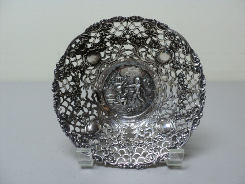 ANTIQUE CONTINENTAL STERLING SILVER SMALL DISH / BOWL with CHERUBS