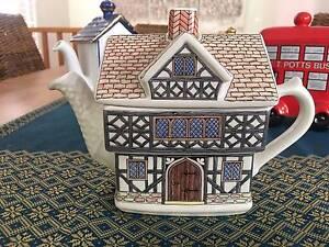 English Country House Teapot Tascott Gosford Area Preview