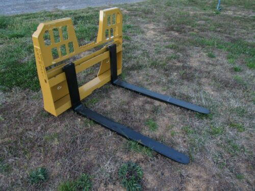 "Skid Steer Attachment 48"" 5,500 lbs Walk Through Pallet Forks Fits Caterpillar"