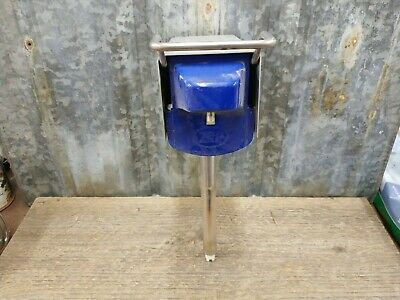 ZEP D-4000 HAND SOAP DISPENSER Gray With Blue Front