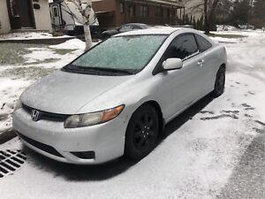 Honda Civic automatique coupé 140mklm/échange 4portes