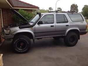 V8 4RUNNER HILUX 5SPD 1UZ SWAP South Nowra Nowra-Bomaderry Preview