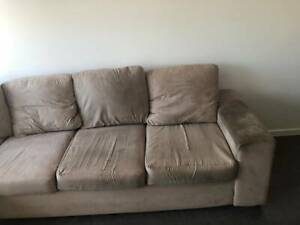 6 seater couch. brown.