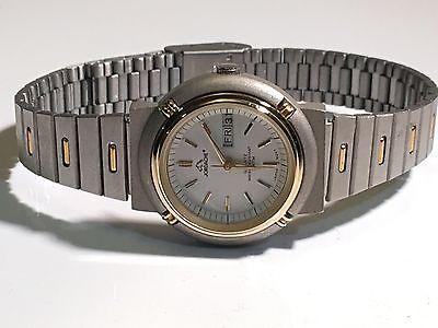 Vintage Ladies Jordache Quartz Watch Day & Date Very Elegant Two Tone (J72481W)