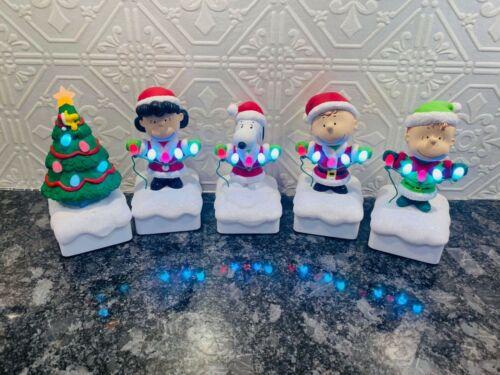 Peanuts Christmas Light Show 2015 Hallmark Animated Light Up Musical Figurines