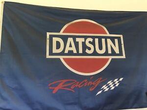 Datsun z pieces