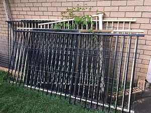 Fence panels/pool fencing Wishart Brisbane South East Preview