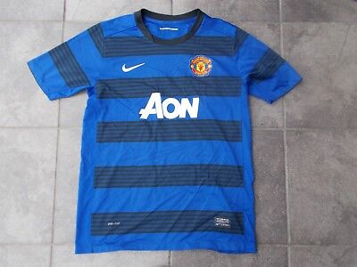 MANCHESTER UNITED shirt...XL youth size...mint condition...