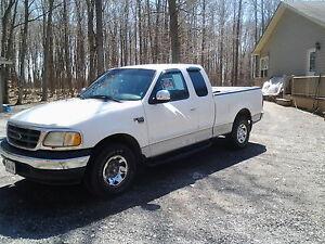 2000 Ford F-150 xlt 7700 Pickup Truck