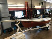 13' Chrysler TC13 Sailboat NO Motor w/ Miscellaneous Trailer   T1302015
