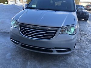 Chrysler town and county 2011