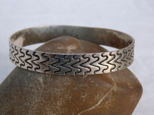 Vintage Mexican Sterling Silver Incised BANGLE BRACELET Taxco
