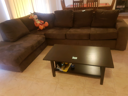 Hardwood coffee table in excellent condition