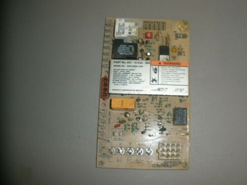 JOHNSON CONTROLS G951ADB-1403 FURNACE CONTROL CIRCUIT BOARD