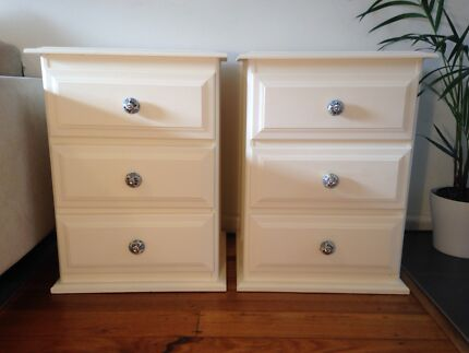 Pair of bedside tables / drawers