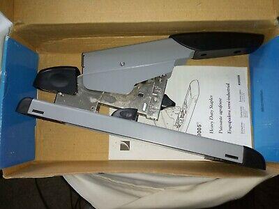 Swingline Heavy Duty Stapler 160 Sheet High Capacity 39005 Box Show Compressed