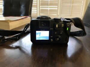 FujiFilm FinePix S20Pro Digital Camera