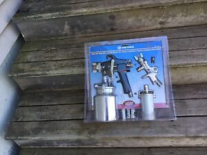 Spray gun and touch up kit