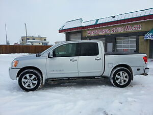 2010 Nissan Titan LE LOW KM with WINTER and SUMMER TIRES!! SAVE!