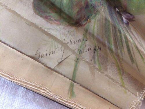 Eventail 1894 fleurs sur soie peinte monture palissandre ou acajou
