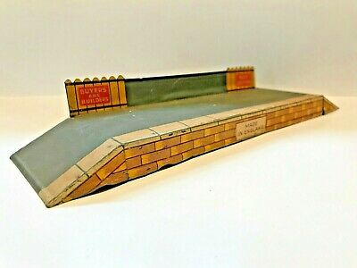 🚉 Vintage Tin BRIMTOY O Gauge Tinplate WAYSIDE PLATFORM w/ BUY BRITISH SIGNAGE