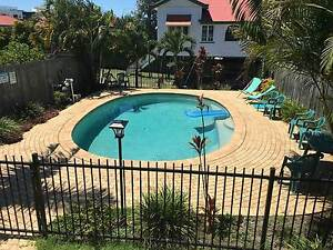 Queenslander – Room for Couple in West End, Internet, A/C & Pool West End Brisbane South West Preview