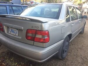 2000 Volvo S70 in amazing condition