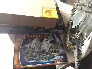 Mega Bloks Pyrates 3660 Dread Eye's phantom, moving sale