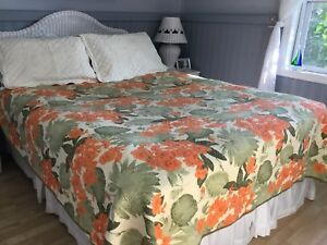 Reversible Queen Quilt with Shams