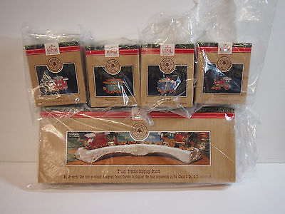 1991 Hallmark Claus and Co RR Train w Display Trestle 5 pc Set Christmas Vintage