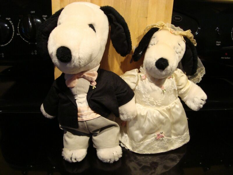 Peanuts Snoopy and Belle Bride and Groom with Tags