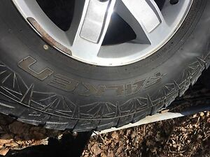 33x12.5x17Lt tires and 2010 Gmc alloys