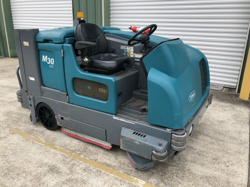 Tennant M30 Sweeper / Scrubber - 2010 Model