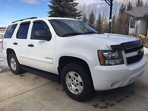 2009 Chevy Tahoe Leather Heated Seats 3rd row Excellent Cond
