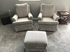 Two swivel seats with Ottoman