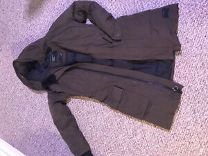 TNA BANCROFT PARKA IN OLIVE (SMALL) *hardly worn*
